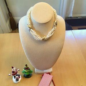 Vintage Richelieu Pearl fashion necklace.
